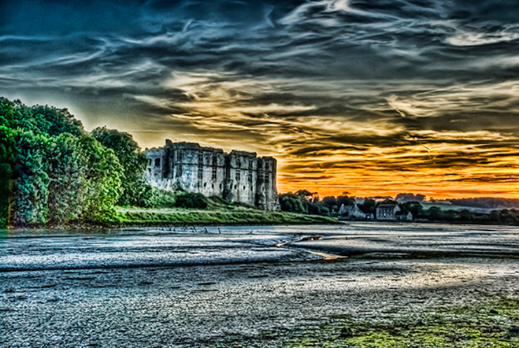 Carew Castle Pembrokeshire At Sunset: eclectic  by Steve Purnell, Eclectic