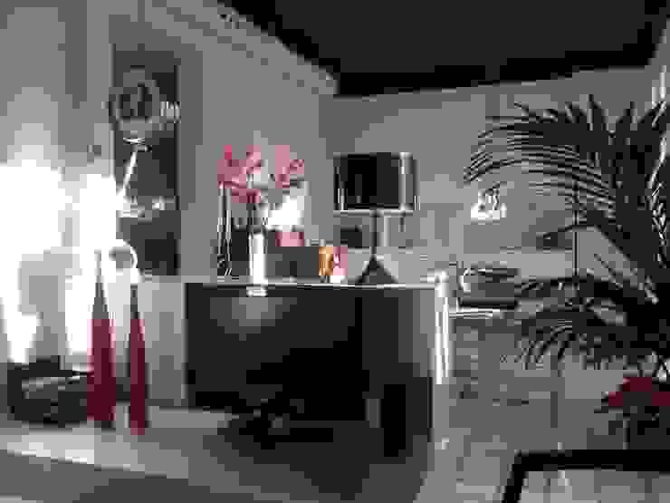 VIVIENDA EIXAMPLE d LLOBET interiors Salones de estilo moderno de homify Moderno