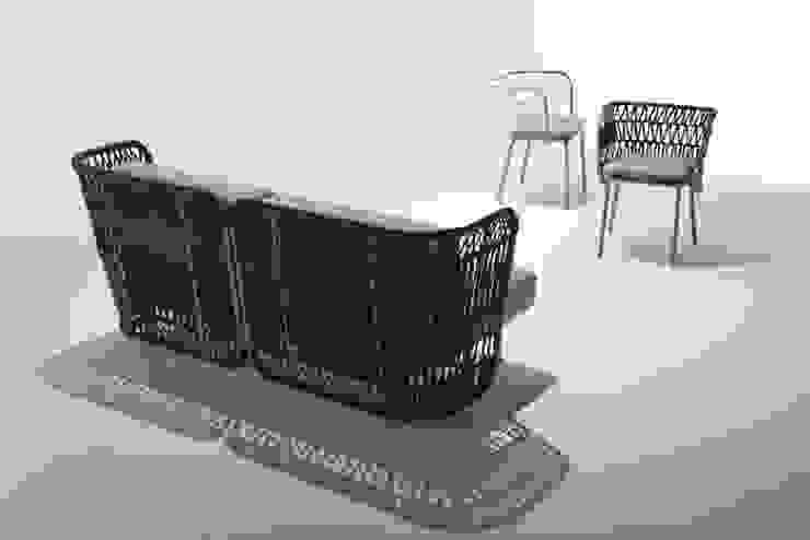 divano da esterno + poltroncina da esterno di 4P1B Design Studio