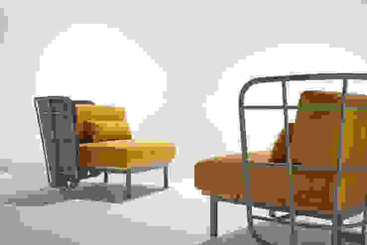 poltrona da interno con schienale imbottito di 4P1B Design Studio