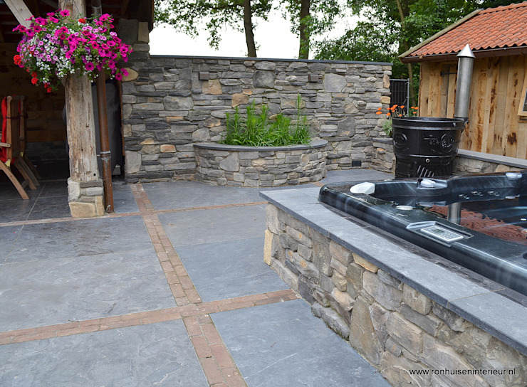 Wellness oase garten Rustikale Pools von RON Stappenbelt, Interiordesign Rustikal