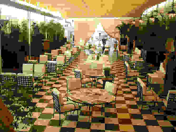 Hotel Ritz Hoteles de estilo clásico de CONILLAS - exteriors Clásico