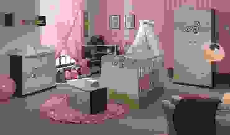 Dormitorios infantiles clásicos de Möbelgeschäft MEBLIK Clásico