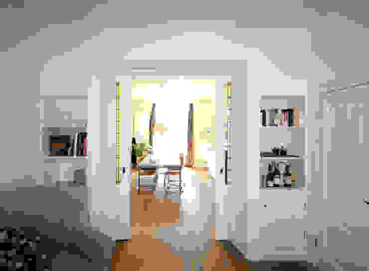 aanzicht vanuit de woonkamer van Obliq Architectuur Klassiek