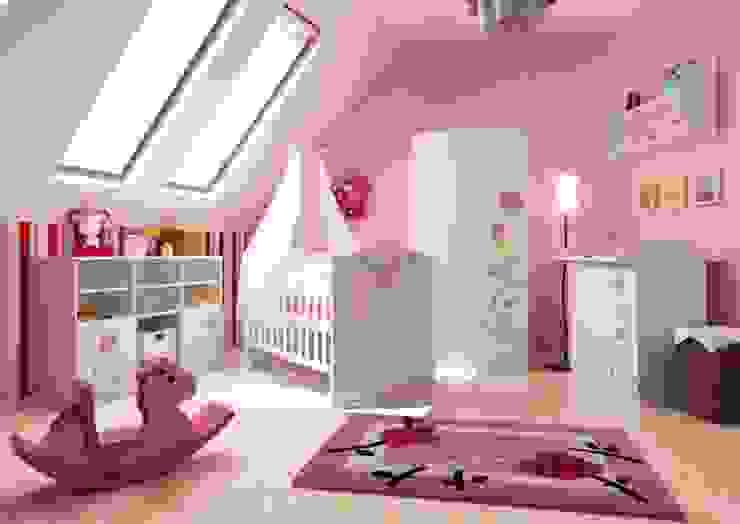 Nursery/kid's room by Möbelgeschäft MEBLIK, Classic