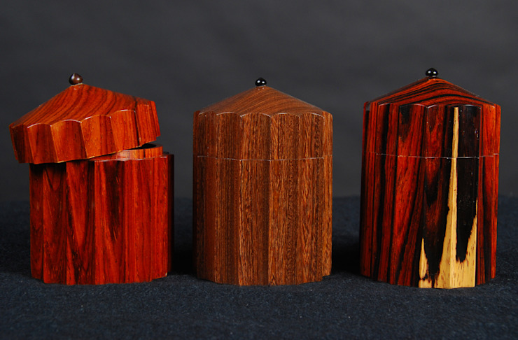 Small vessels, various timbers. por Simon Harrison Furniture
