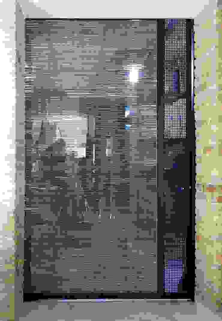Porta in vetro e bambù Gastronomia in stile eclettico di Rocco Valentini Architecture Eclettico