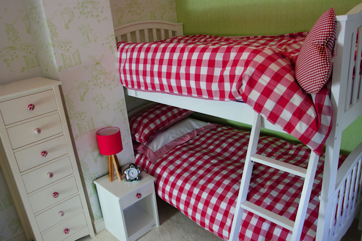 Girls Bedroom by Tracey Andrews Interiors