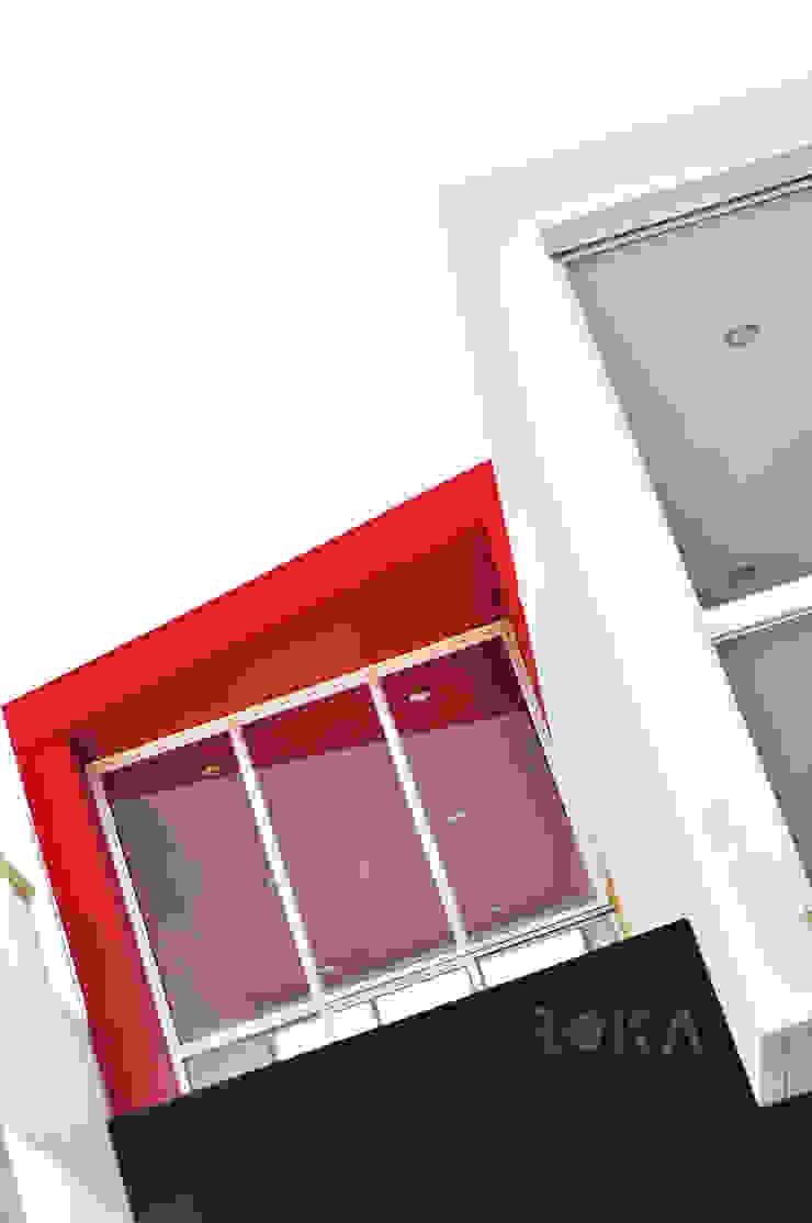Detalle de fachada Casas modernas de ROKA Arquitectos Moderno