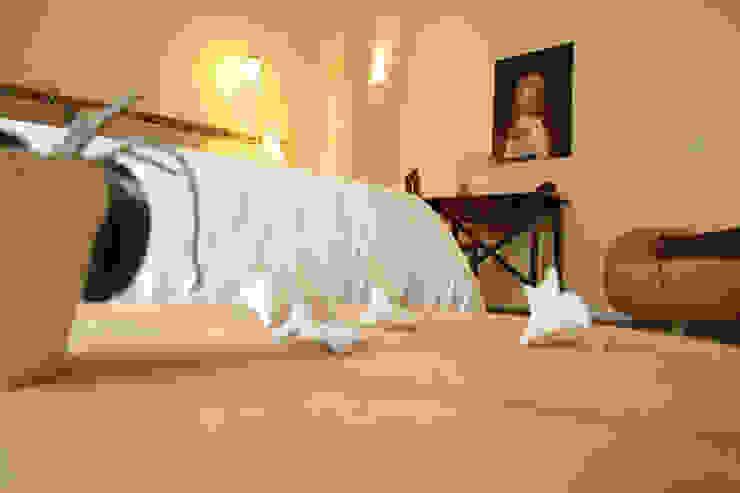 FondoVito B&B Camera da letto in stile rustico di FRANCESCO CARDANO Interior designer Rustico
