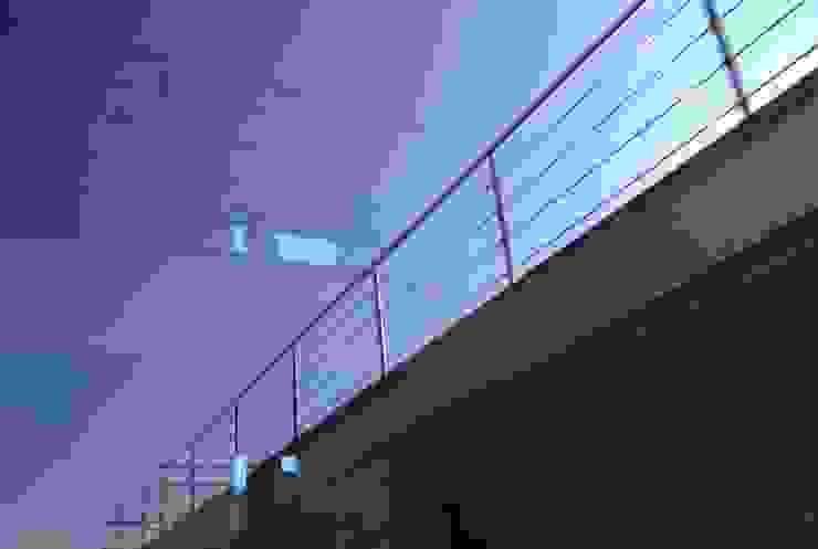 Villa unifamiliare a Bastia Umbra (PG) Finestre & Porte in stile moderno di Fabricamus - Architettura e Ingegneria Moderno