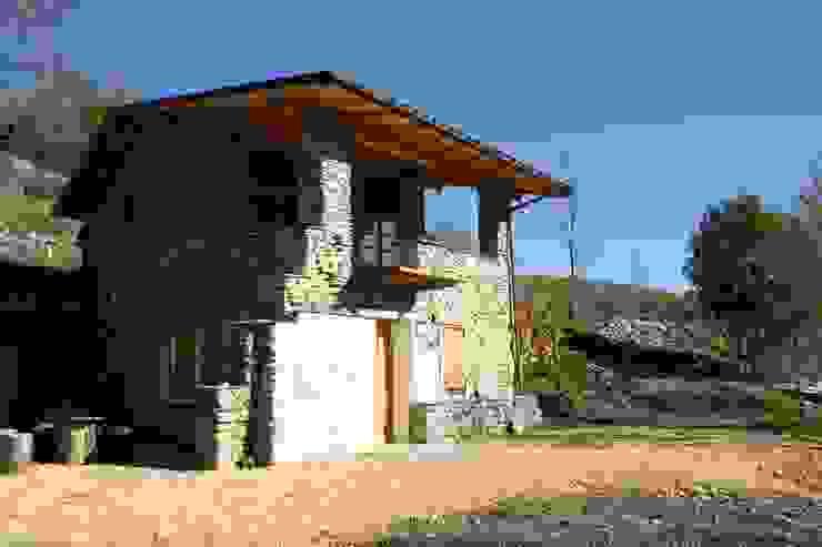 Recupero di edificio rurale sulle Alpi Liguri di Officina82 Rurale