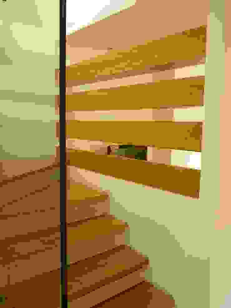 Doughty Mews: modern  by Studiodare Architects, Modern