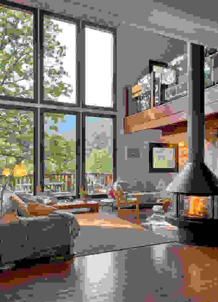 Ruang Keluarga Modern Oleh HOUSE HABITAT Modern