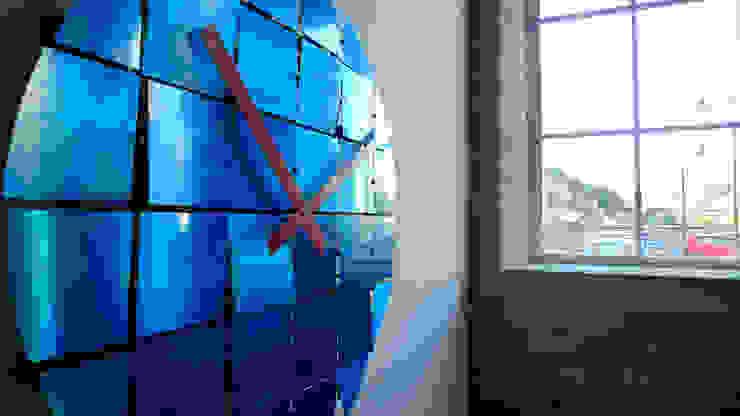 Animated Reflective Tile Clock: modern  by BLOTT WORKS, Modern