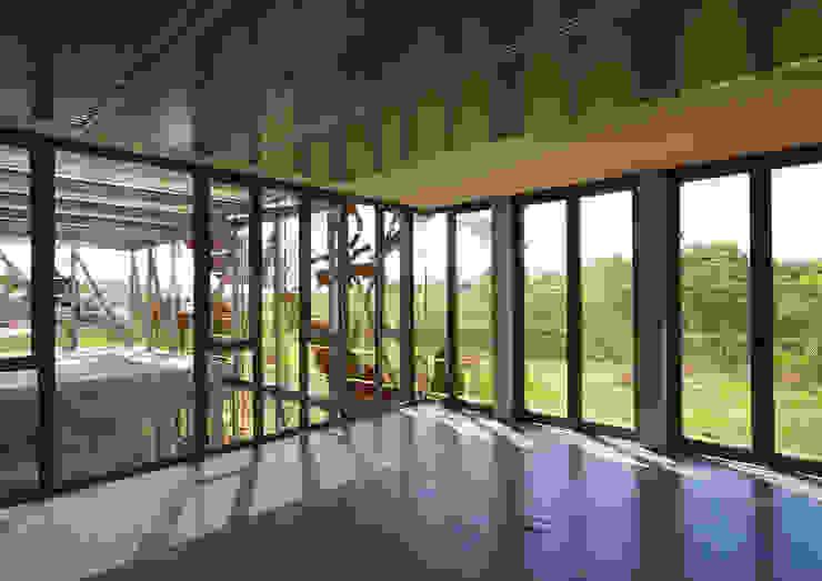 Oikosvia arquitectura sccl Geschäftsräume & Stores