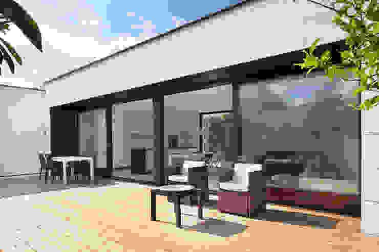 現代房屋設計點子、靈感 & 圖片 根據 HOUSE HABITAT 現代風