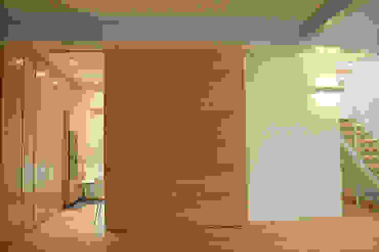 Casa Borio Pareti & Pavimenti in stile moderno di Studio Thesia Progetti Moderno
