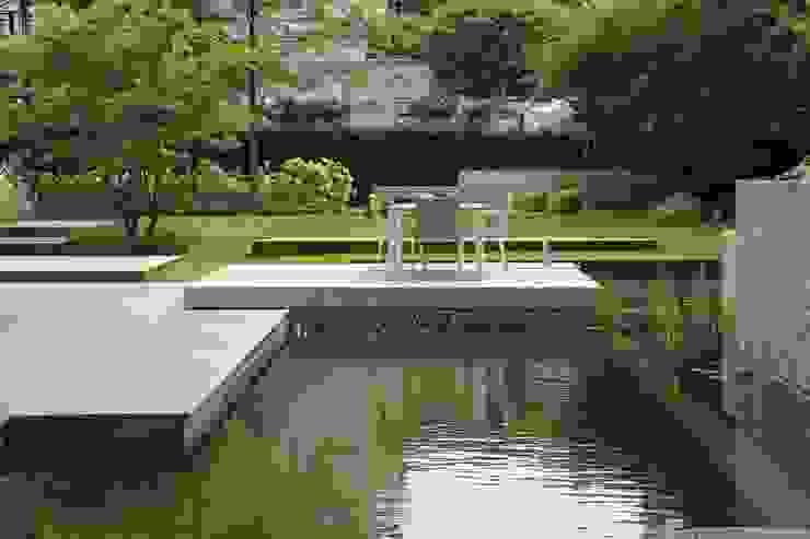 BIOTOP Natural Pool—City Centre Oasis by BIOTOP Landschaftsgestaltung GmbH