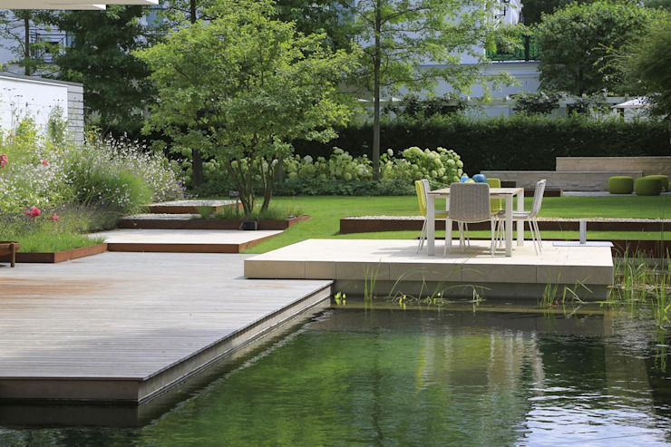 BIOTOP Natural Pool - City Centre Oasis by BIOTOP Landschaftsgestaltung GmbH