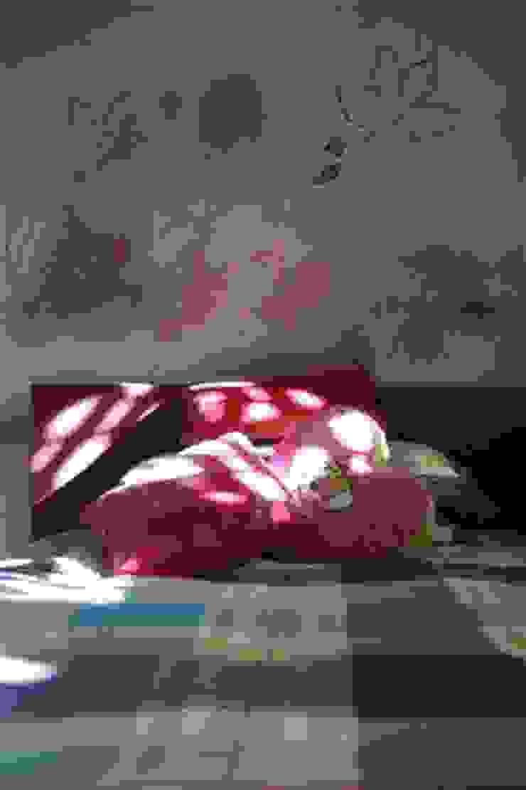 villa al lago Camera da letto moderna di GRETA DONIS Moderno