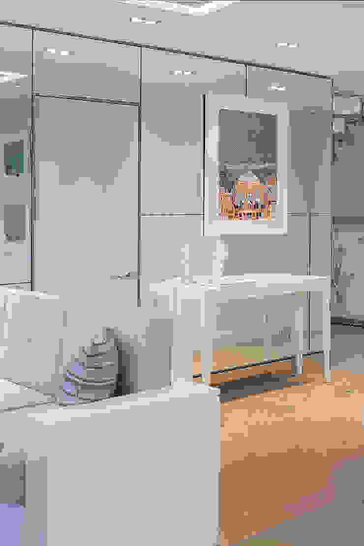 London Duplex Apartment by Hartmann Designs Ltd