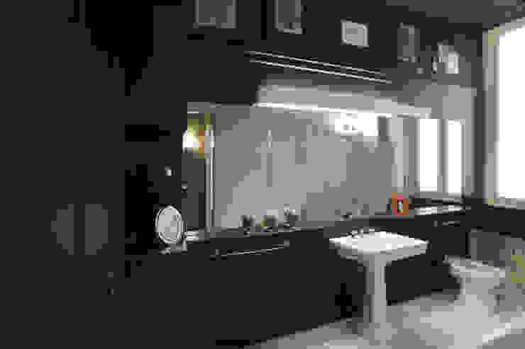 APARTMENT BIANCAMARIA Bagno moderno di PAOLO FRELLO & PARTNERS Moderno