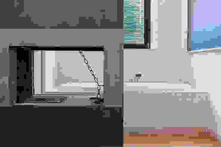 Villa unifamiliare con piscina a Foligno (PG) Camera da letto moderna di Fabricamus - Architettura e Ingegneria Moderno