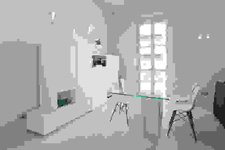 HOUSE FOR HOLIDAYS Sala da pranzo minimalista di PAOLO FRELLO & PARTNERS Minimalista