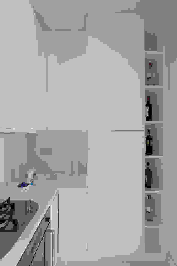 HOUSE FOR HOLIDAYS Cucina minimalista di PAOLO FRELLO & PARTNERS Minimalista