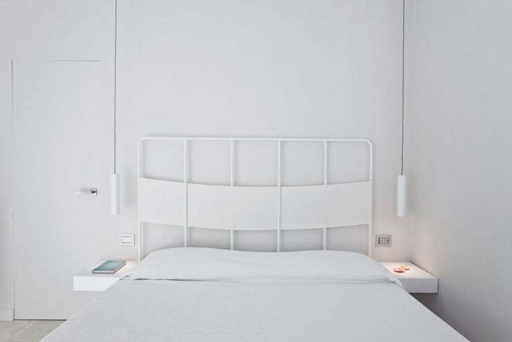 HOUSE FOR HOLIDAYS Camera da letto minimalista di PAOLO FRELLO & PARTNERS Minimalista