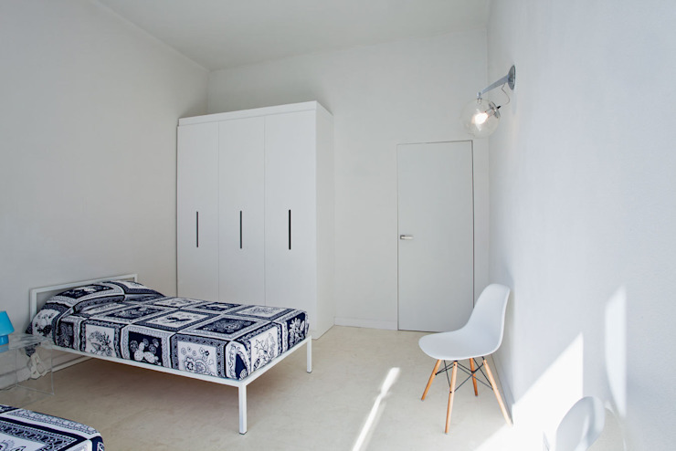HOUSE FOR HOLIDAYS Camera da letto minimalista di PAOLO FRELLO & PARTNERS Minimalista
