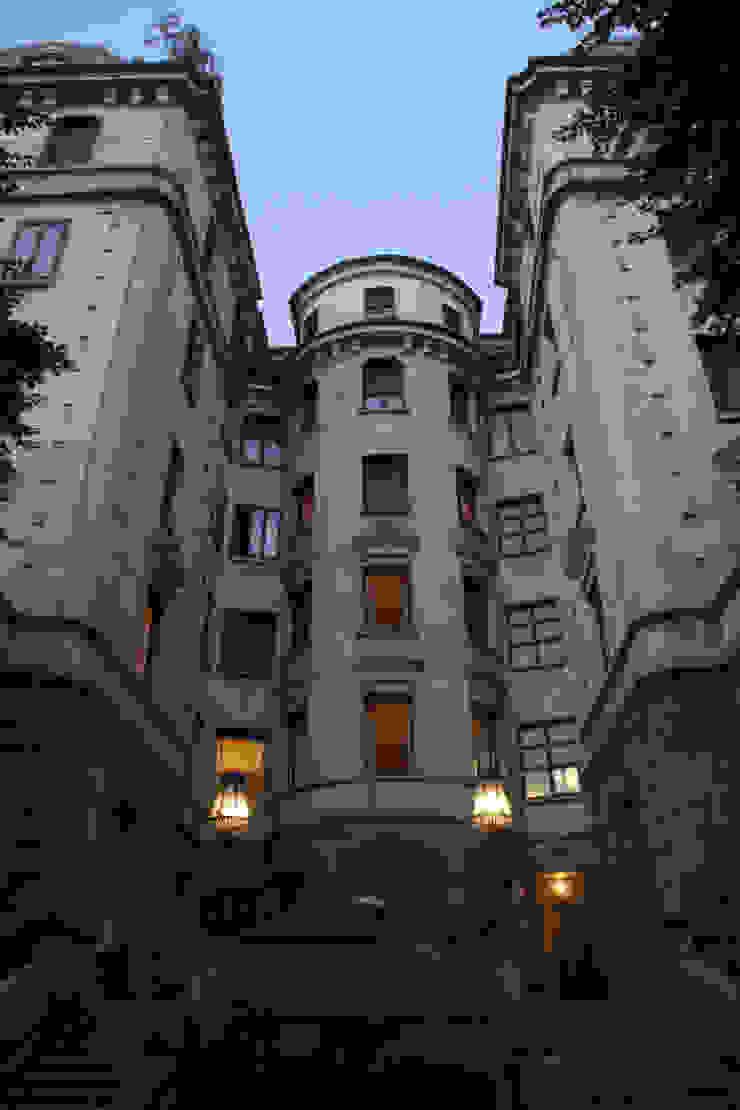 APARTMENT BIANCAMARIA Case moderne di PAOLO FRELLO & PARTNERS Moderno