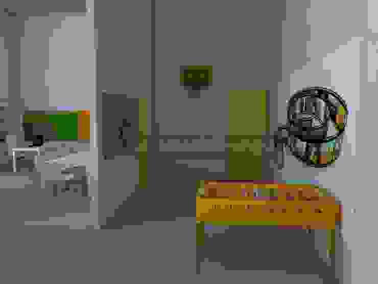 Zona de entrada Oficinas y tiendas de estilo industrial de MUMARQ ARQUITECTURA E INTERIORISMO Industrial