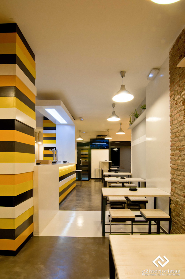 La Brochetería Gastronomía de estilo moderno de C2INTERIORISTAS Moderno