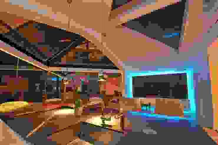 Semi-detached glory hole Paul Wiggins Architects Modern living room