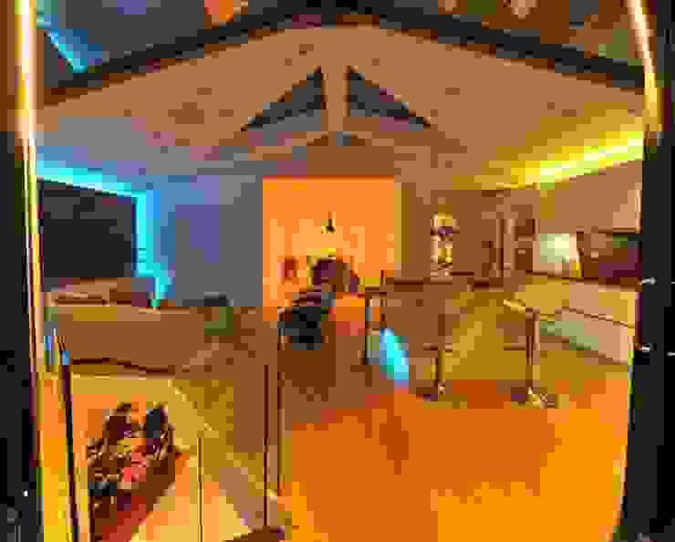 Semi-detached glory hole Paul Wiggins Architects Modern kitchen