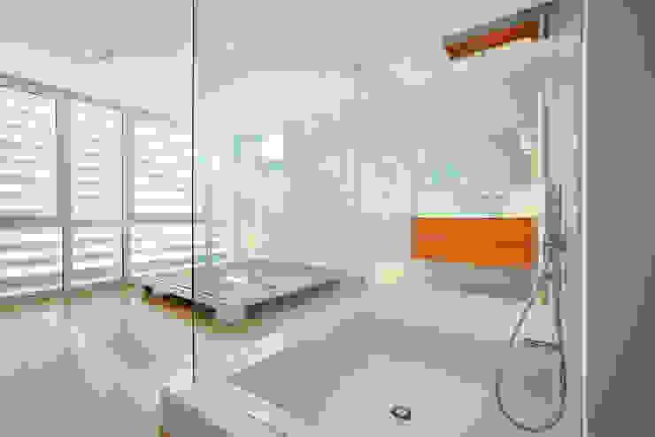 Cut House Camera da letto di Bamboo Studio