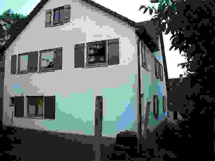 Altbausanierung Bauernhaus in Aichtal - Gartenansicht Altbauzustand von Architekturbüro Gahn Klassisch