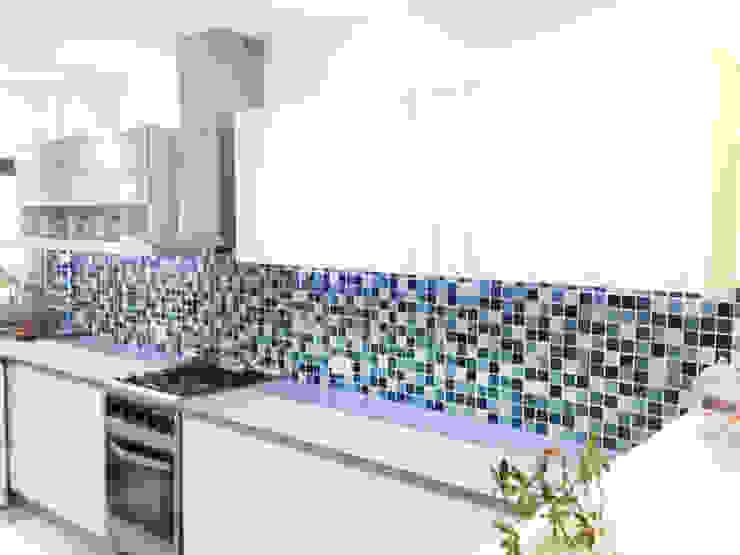 現代廚房設計點子、靈感&圖片 根據 Estudio Nicolas Pierry 現代風
