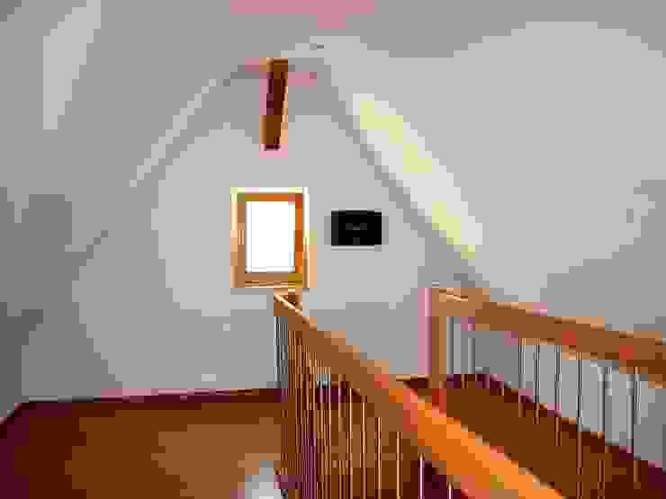 Altbausanierung Bauernhaus in Aichtal - Dach nach Umbau von Architekturbüro Gahn Klassisch