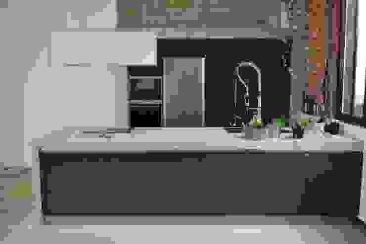 Raw Concrete Loft Kitchen Modern kitchen by Concrete LCDA Modern Concrete