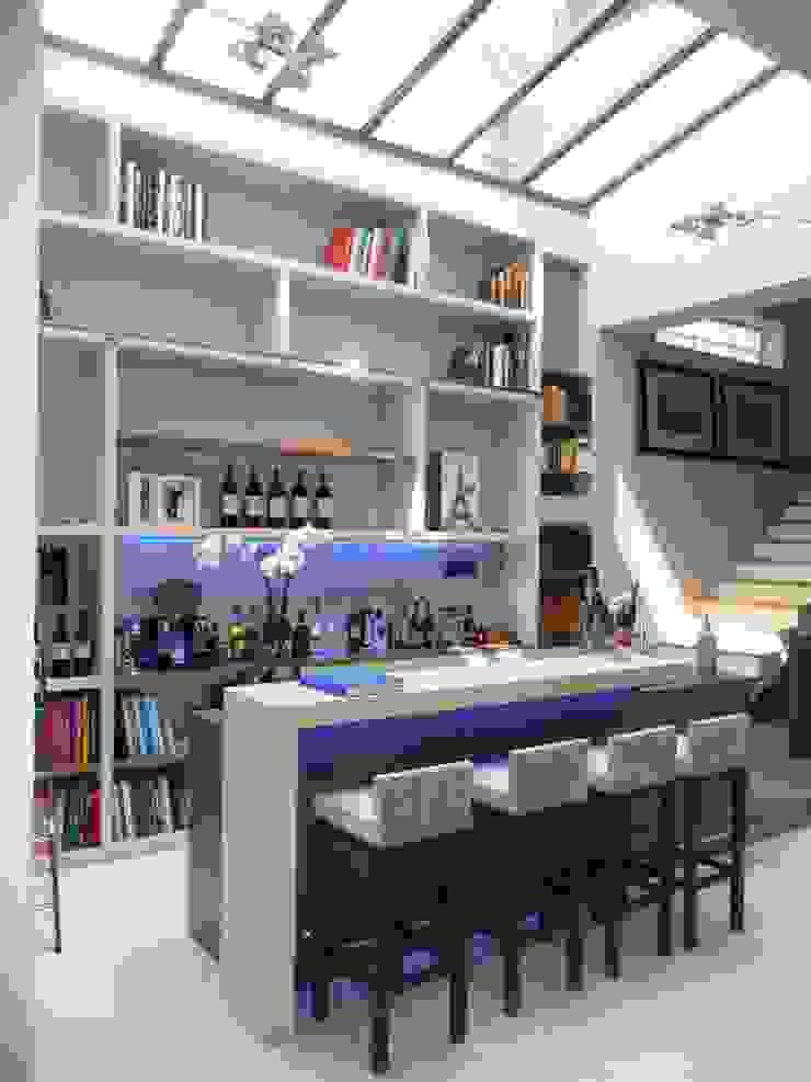 Bar en Béton dans un hôtel particulier Hôtels modernes par Concrete LCDA Moderne Béton