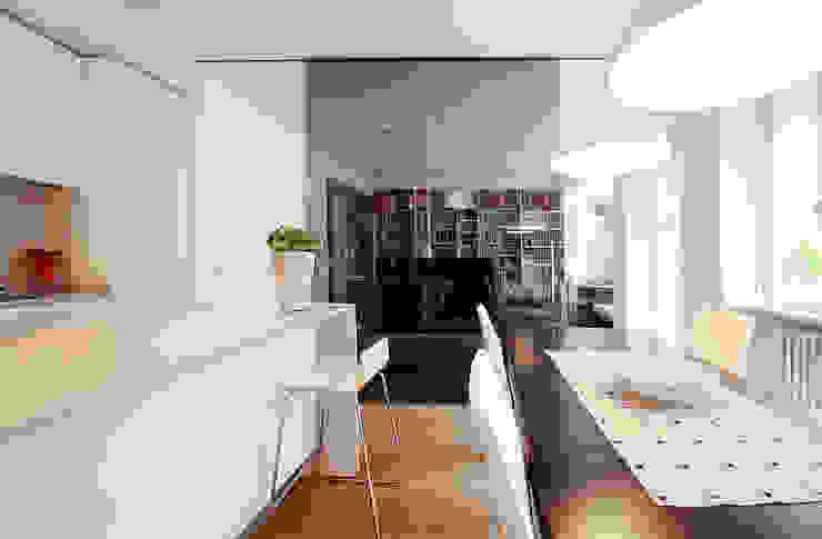 Cucina Sala da pranzo moderna di Filippo Colombetti, Architetto Moderno Vetro