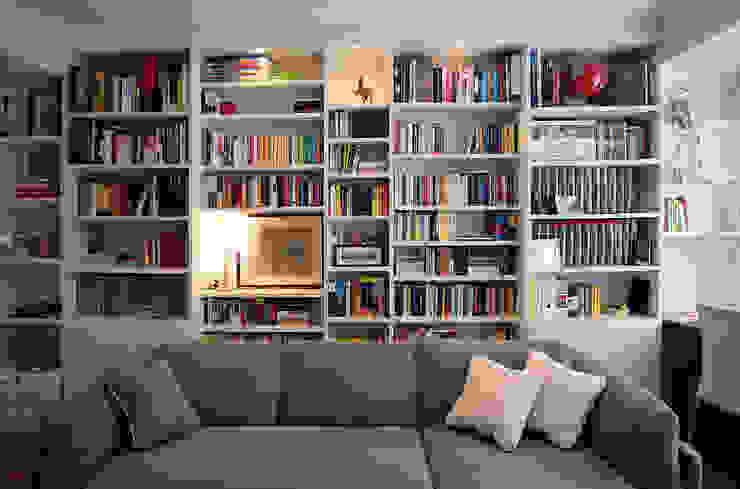 Libreria Soggiorno moderno di Filippo Colombetti, Architetto Moderno