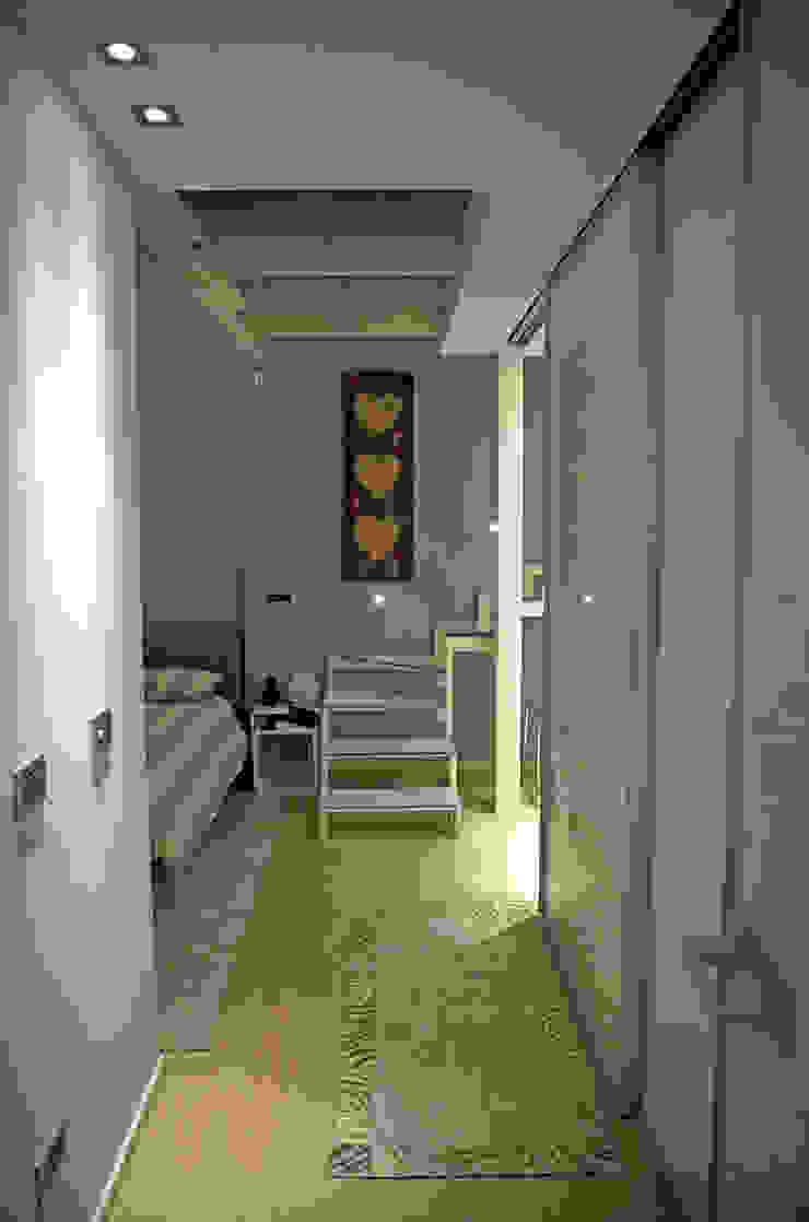 Loft in Milan Camera da letto moderna di Studio Arkimode Moderno
