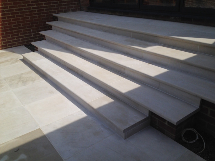 Sandstone paving & steps Modern terrace by Paul Newman Landscapes Modern