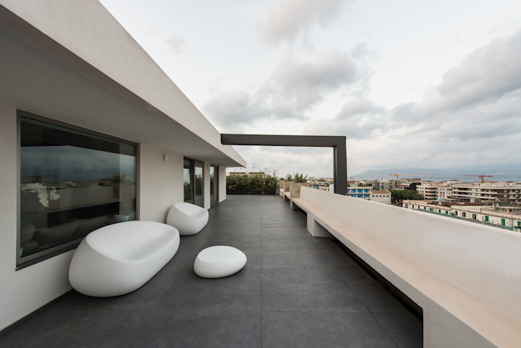 Terrace by Mobilificio Marchese, Minimalist