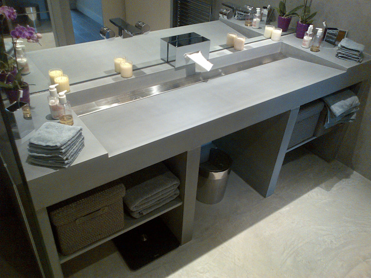 Concrete sinks & Brushed stainless steel Modern bathroom by Concrete LCDA Modern
