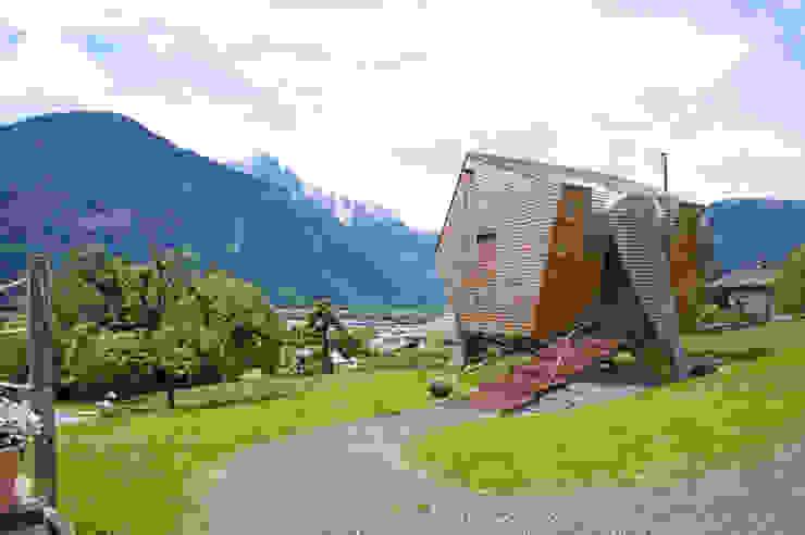Haus der Ufogel Moderne Häuser von Aberjung Design Agency Modern
